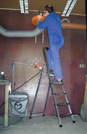 Лестница стремянка Solidy 5 ступеней купить на выгодных условиях в Ростове-на-Дону